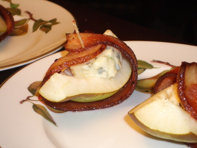 Bacon-Wrapped Blue Cheese Pears | 2frugalfoodies