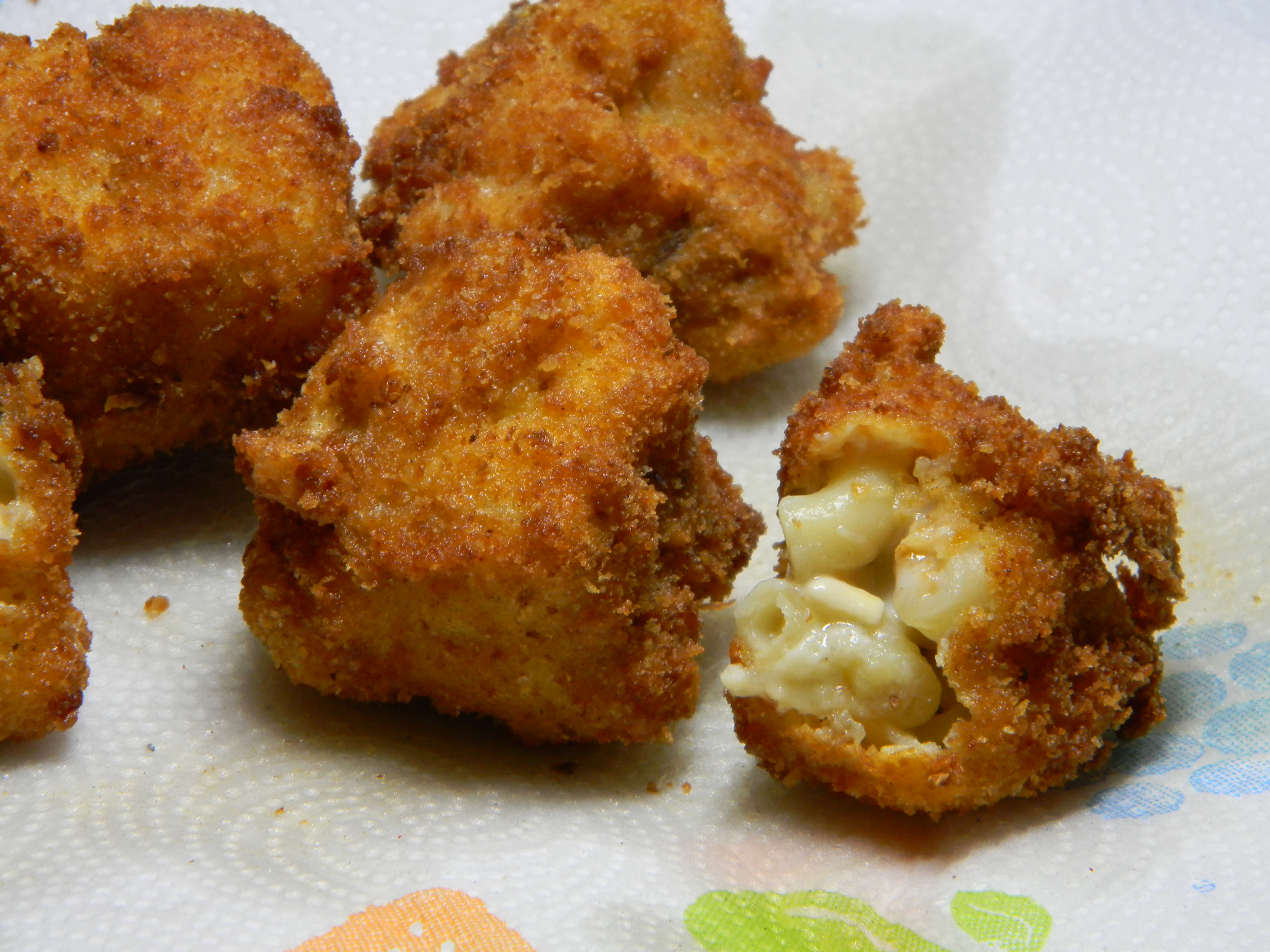 Fried Mac N' Cheese Bites   2frugalfoodies